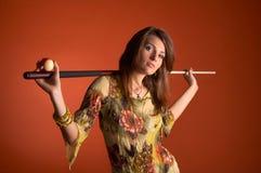 Donna con l'indicazione fotografia stock libera da diritti