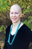 Donna con la collana del turchese in giardino Fotografia Stock