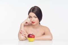 Donna con la frutta Immagine Stock