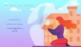 Donna con la lampadina sul fondo di paesaggio urbano illustrazione di stock