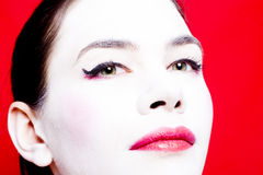 Donna con la polvere di fronte bianca fotografie stock libere da diritti