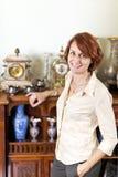Donna con la raccolta antica Immagini Stock Libere da Diritti