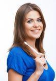 Donna con la spazzola a trentadue denti Immagini Stock Libere da Diritti