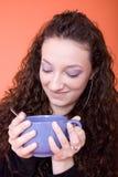 Donna con la tazza Immagine Stock