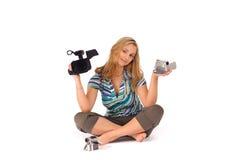 Donna con la videocamera portatile digitale Fotografie Stock