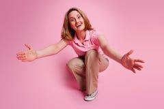 Donna con le braccia aperte Immagini Stock Libere da Diritti