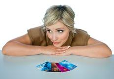 Donna con le carte di credito Fotografia Stock Libera da Diritti