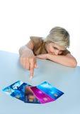 Donna con le carte di credito Fotografia Stock