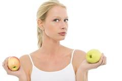 Donna con le mele nelle mani Fotografia Stock
