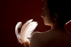 Donna con le piume fotografie stock libere da diritti