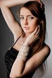 Donna con monili d'argento fotografia stock