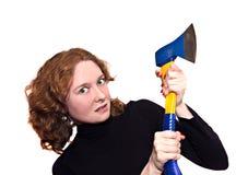 Donna con un'ascia Fotografie Stock Libere da Diritti
