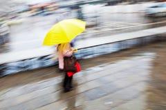 Nella pioggia fotografia stock