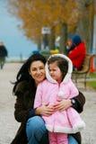 Donna con una bambina Fotografia Stock Libera da Diritti