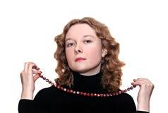 Donna con una collana Fotografia Stock Libera da Diritti
