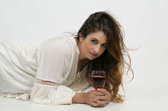 Donna con vino Fotografie Stock