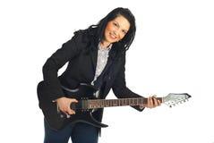 Donna convenzionale felice del chitarrista Fotografia Stock Libera da Diritti