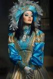 Donna in costume medioevale Immagini Stock Libere da Diritti