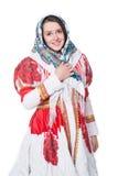 Donna in costume russo piega di tradizione con lo scialle Isolato su priorità bassa bianca Immagini Stock