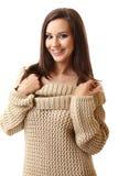 Donna del Brunette che sorride nelle parentesi graffe Fotografie Stock