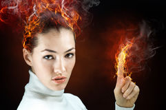 Donna del fuoco Fotografie Stock Libere da Diritti