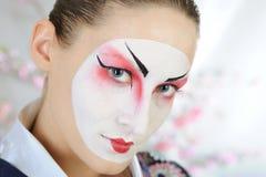Donna del geisha del Giappone con trucco creativo. Fotografie Stock