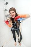 Donna del kitsch in acquazzone fotografia stock libera da diritti