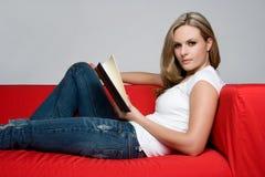 Donna del libro fotografia stock libera da diritti
