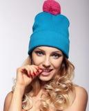 Donna del ritratto in cappello fotografie stock libere da diritti
