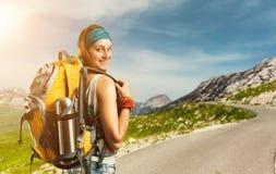 Donna del viaggiatore all'aperto Fotografie Stock