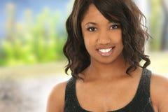 Donna dell'afroamericano con il grande sorriso Immagini Stock