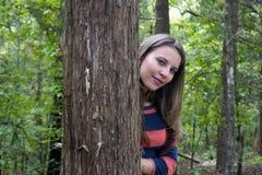 Donna dell'albero fotografia stock libera da diritti