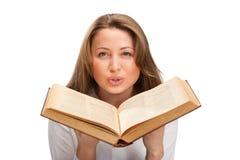 Donna dell'allievo con il libro Fotografie Stock
