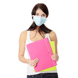 Donna dell'allievo con la mascherina sul suo fronte Fotografia Stock Libera da Diritti