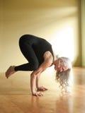 Donna dell'anziano di yoga Immagine Stock