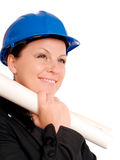 Donna dell'assistente tecnico in casco con la cianografia Fotografie Stock Libere da Diritti