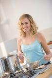donna della cucina Fotografie Stock Libere da Diritti