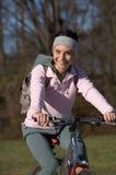 donna della montagna della bici Immagine Stock
