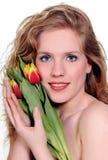 Donna della sorgente con i fiori Immagini Stock