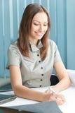Donna di affari all'ufficio Fotografia Stock