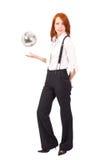 Donna di affari alta con la sfera levitating dello specchio immagini stock libere da diritti
