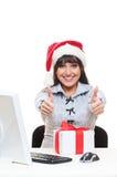 Donna di affari in cappello rosso che mostra i pollici in su Fotografie Stock