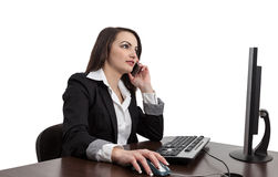 Donna di affari che controlla il suo Mobile Fotografie Stock