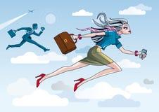 Donna di affari che funziona attraverso le nubi Immagini Stock Libere da Diritti
