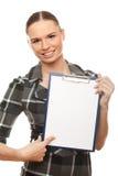 Donna di affari che mostra insegna in bianco fotografie stock libere da diritti
