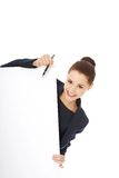 Donna di affari che mostra insegna in bianco Immagine Stock Libera da Diritti