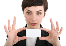 Donna di affari che mostra un biglietto da visita. Fotografia Stock