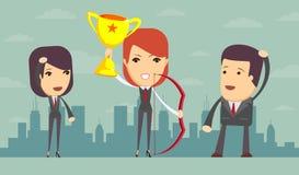 Donna di affari che ostacola trofeo ed arco di conquista Immagine Stock Libera da Diritti