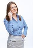 Donna di affari che per mezzo del telefono mobile Immagini Stock Libere da Diritti
