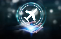 Donna di affari che prenota il suo volo con l'applicazione digitale moderna Fotografie Stock